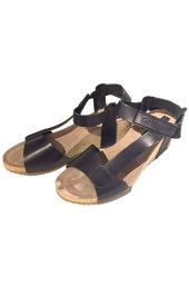 9d450e1b2451 Penelope 5025. Sandal i glat skind med kilehæl af kork.
